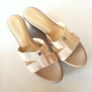 Calvin Klein Size 7.5 Inessa Platform Sandals